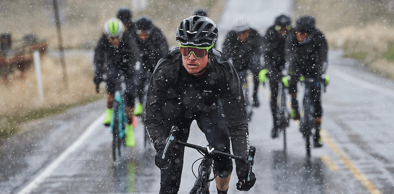 Fahrrad-Regenjacke-Gore-Wear-Rennrad