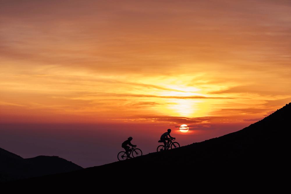 Gravel Sonnenuntergang Radsport